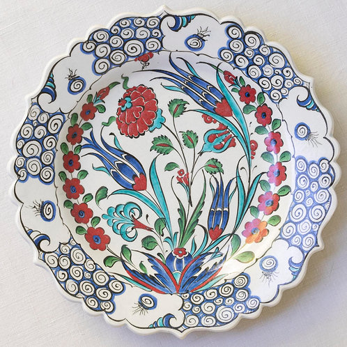 Highly decorative reproduction 16th century fluted Iznik plate 10