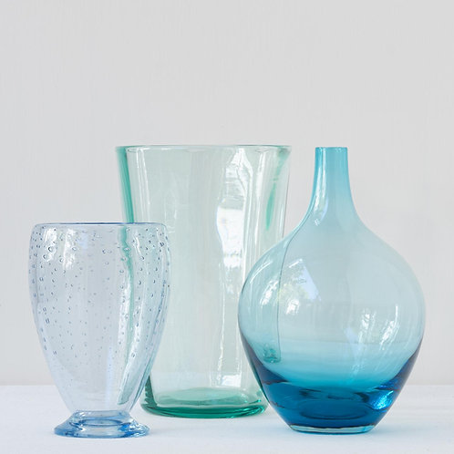 Set of 3 beautiful Whitefriars glass vases