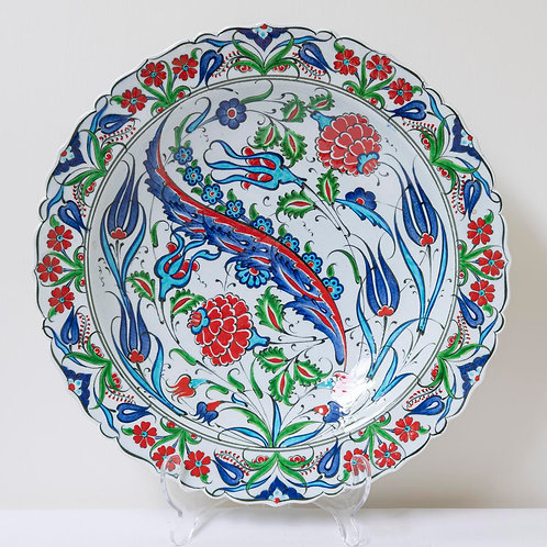 Large convex plate with Ottoman style fluted edges and motifs (1C)