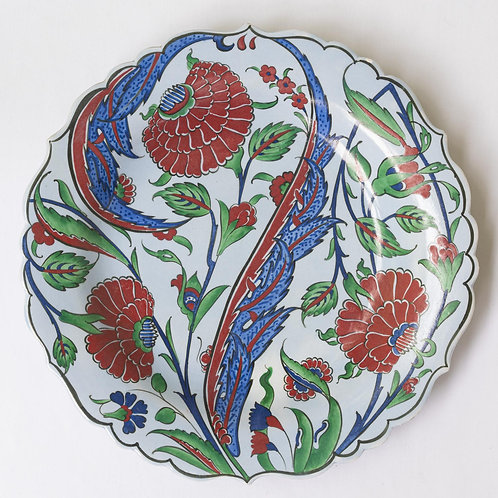 Large convex plate with Ottoman style fluted edges and motifs
