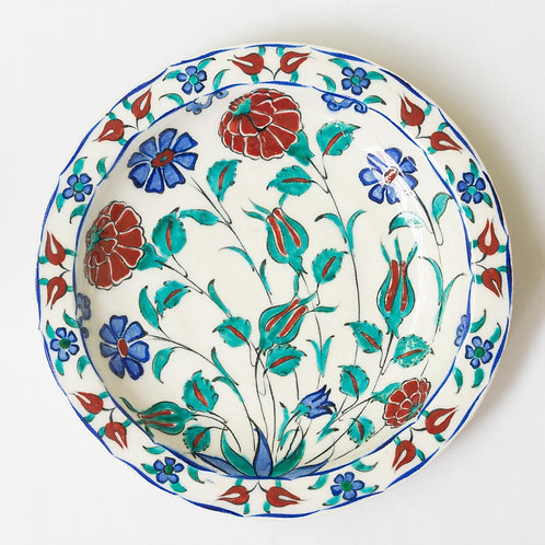 Highly decorative reproduction 16th century fluted Iznik plate no. 3