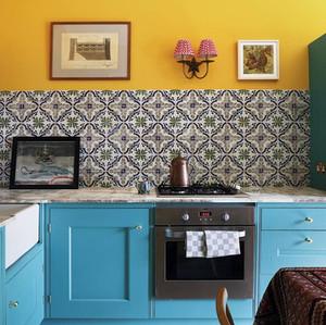 Kitchen with antique Dutch tiles