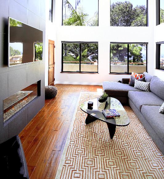 Fireplaces & TVs