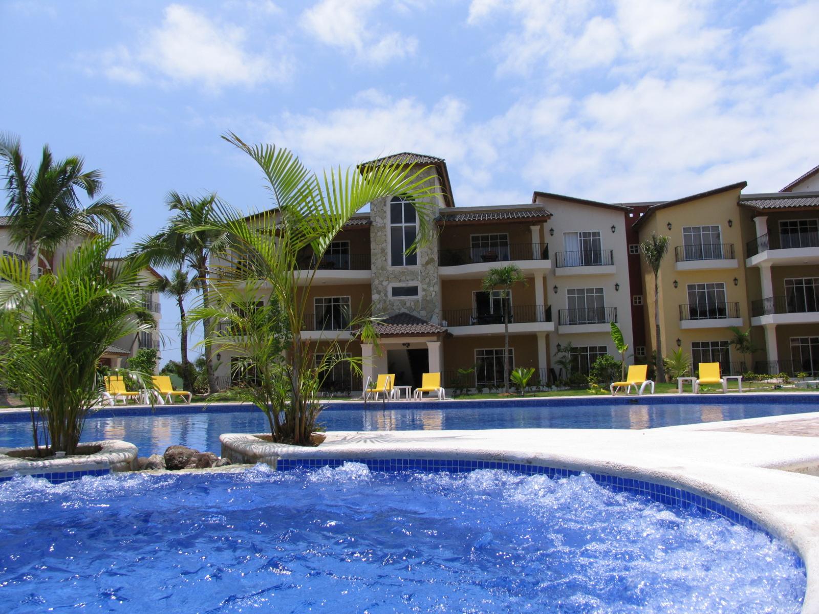 Piscina en el Caribe. Exclusive Nautilus residencial.