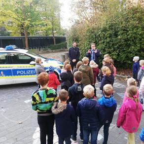 Polizei Veranstaltung in Trebbiner Stadtbibliothek Hans Clauert