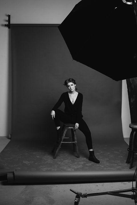 woman-sitting-on-chair-3335431.jpg