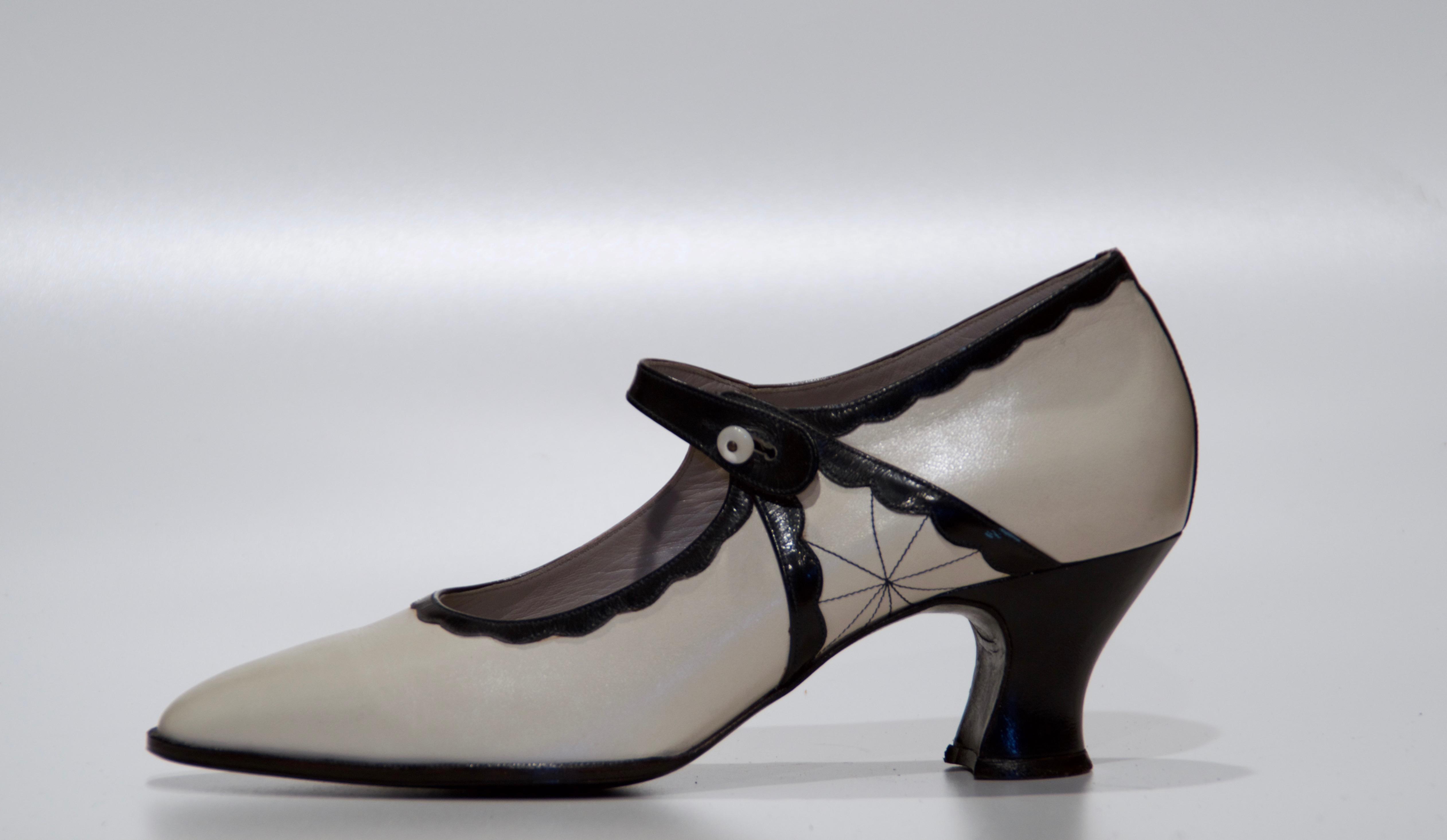 SchuhatelierKudweis_Pumps1930_CremeBlau