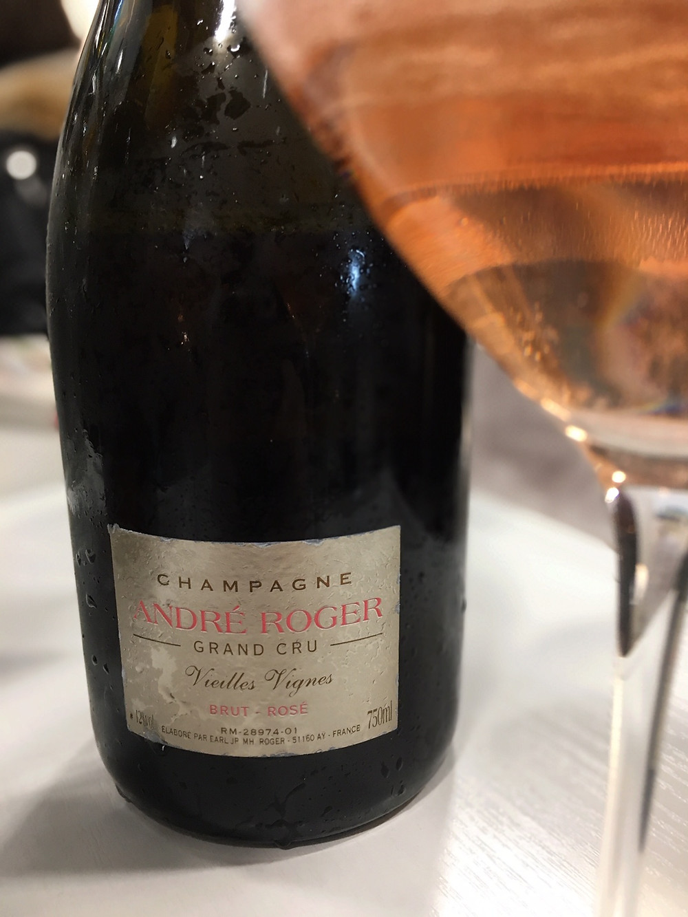 Champagne rosé André Roger d'Aÿ