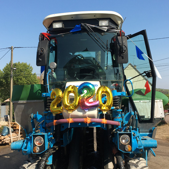 Harvest-machine-customized-for-the-end-of-harvest-in-sancerre-2020