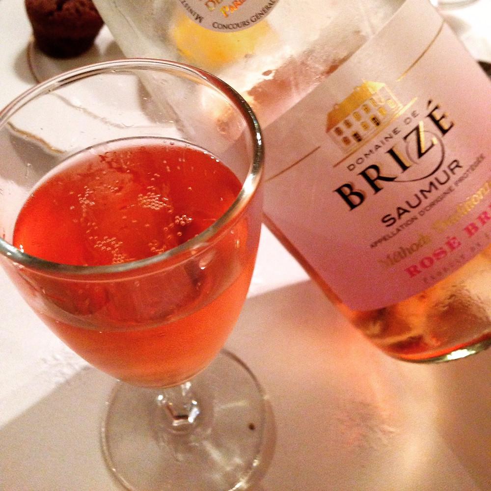 Bouteille-verre-Saumur-rose