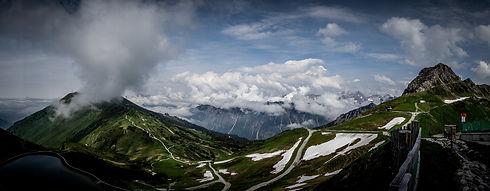 mountain-1812700_1920.jpg