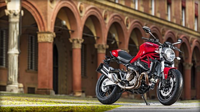 Ducati, arriva il nuovo Monster 821 Testastretta