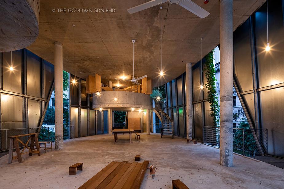 Seminar Floor & Artist in Residence