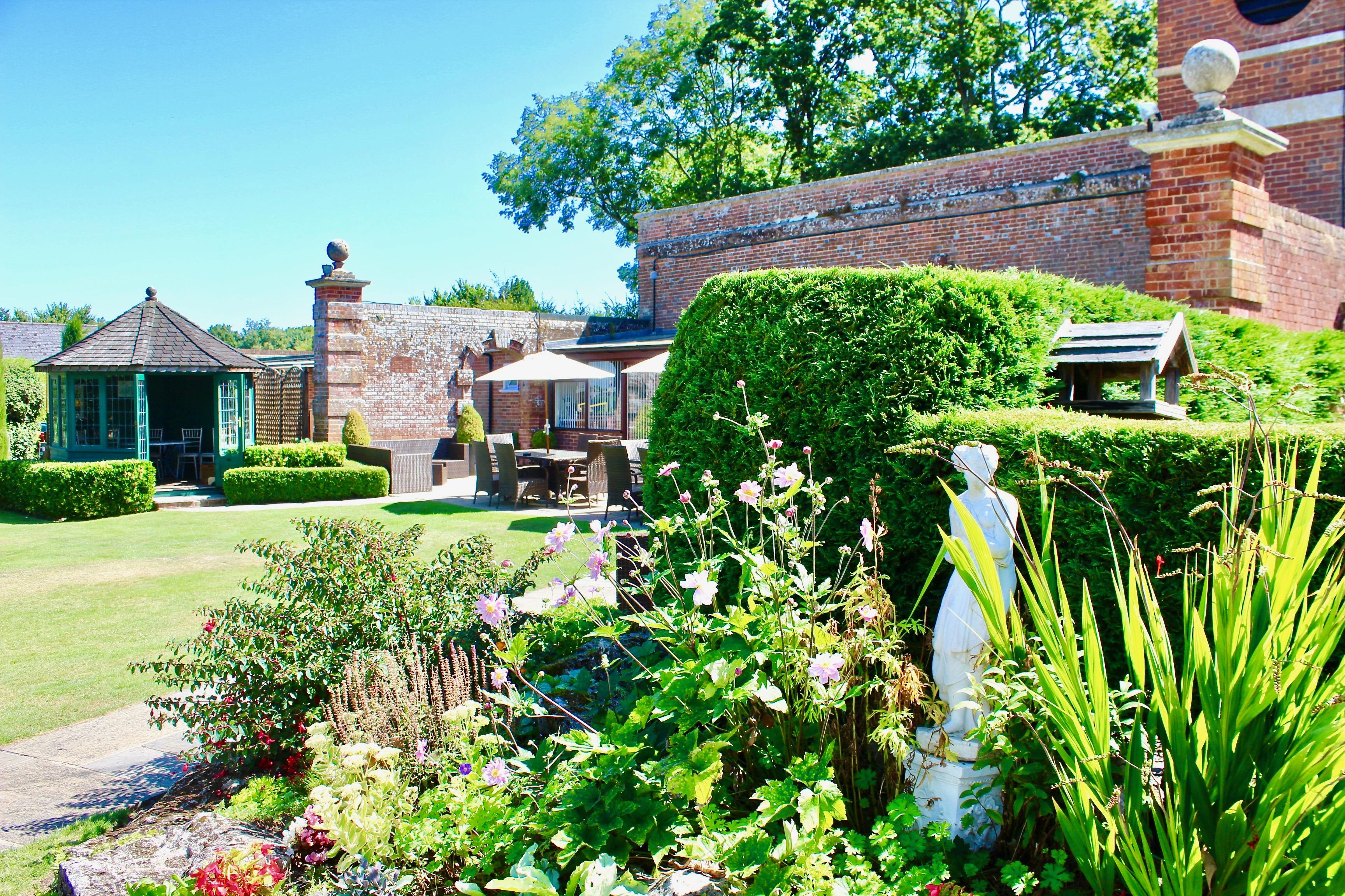 Orangery Suite gardens