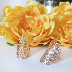טבעת פרח עוטפת