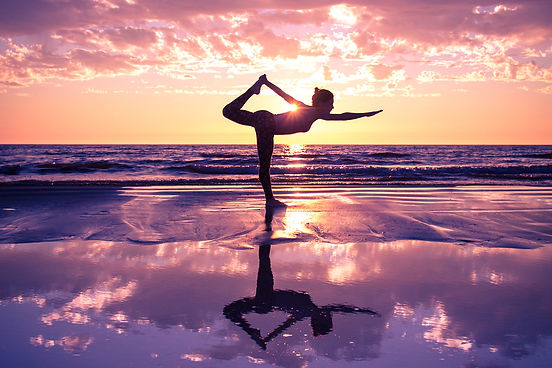 purple-sunset-yoga-reflection-entovegan.