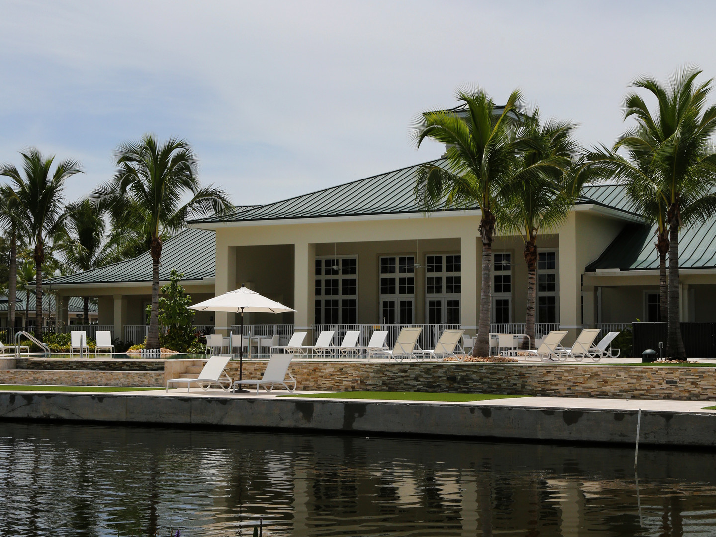 Palm Beach Motorcoach Resort - Clubhouse