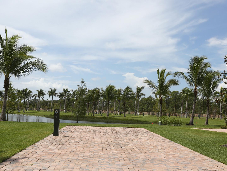 Palm Beach Motorcoach Resort - Lot 79.jp