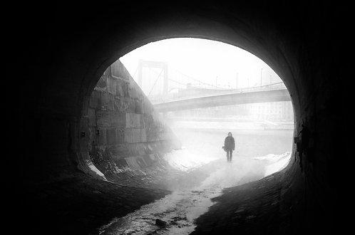 Máté Ladjánszki: Tunnel