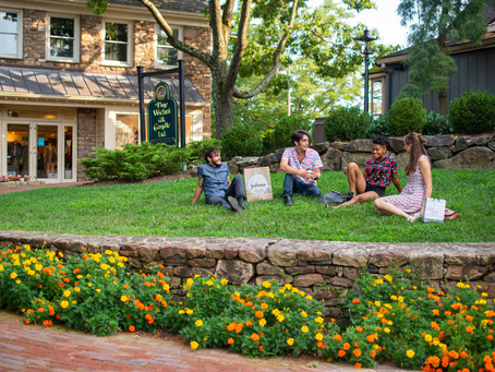 PEDDLER'S VILLAGE LAUNCHES NEW OUTDOOR SUMMER SERIES SHOWTIME UNDER THE STARS WITH MURDER MYSTERY AN