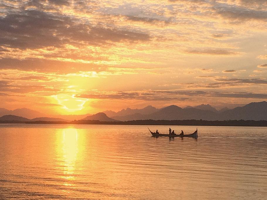 Imagem canoa site.jpg