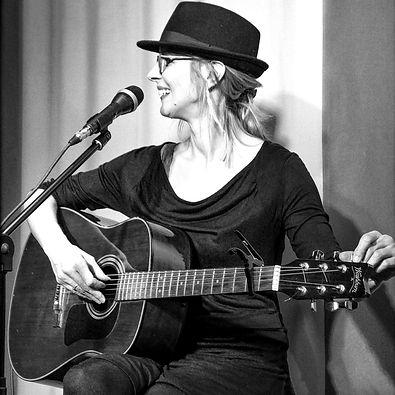 Eva Kalien Foto web.jpg