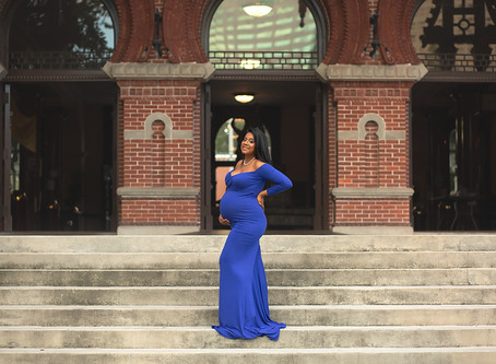 Beautiful expecting Mother and Family in downtown Tampa- University of Tampa