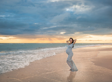 Maternity photo posing ideas! Tampa Maternity and pregnancy Photographer!