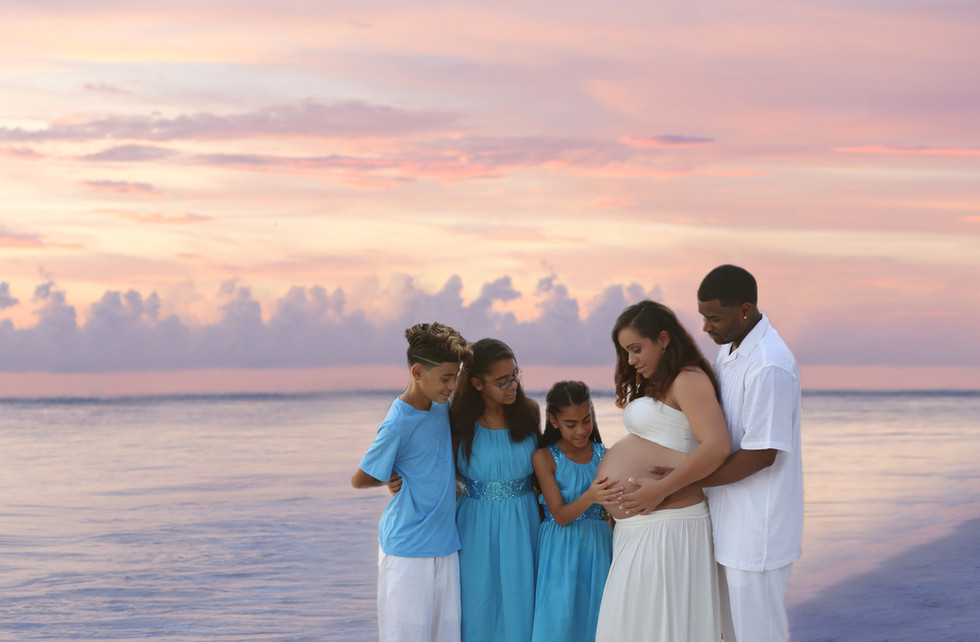 Tampa-Sarasota- beach maternity session