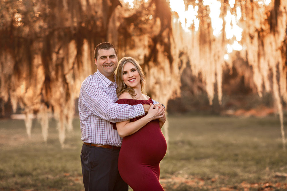 Rustic maternity photo shoot in Tampa