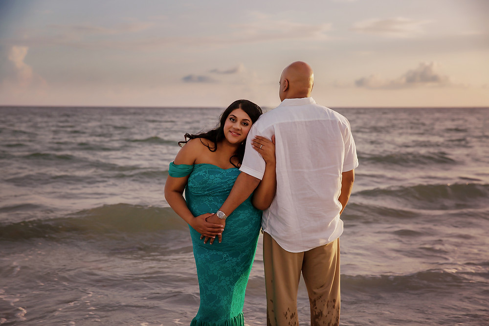 Maternity photos in Tampa bay