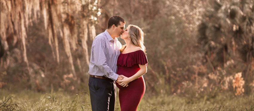Beautiful rustic maternity session in Lakeland Florida/ Tampa maternity Photographer