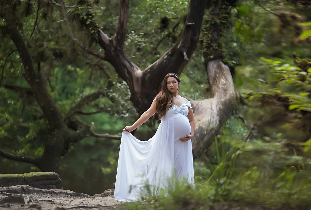 Tampa maternity Photos at Hillsborough River state park. White dress and beautiful trees!