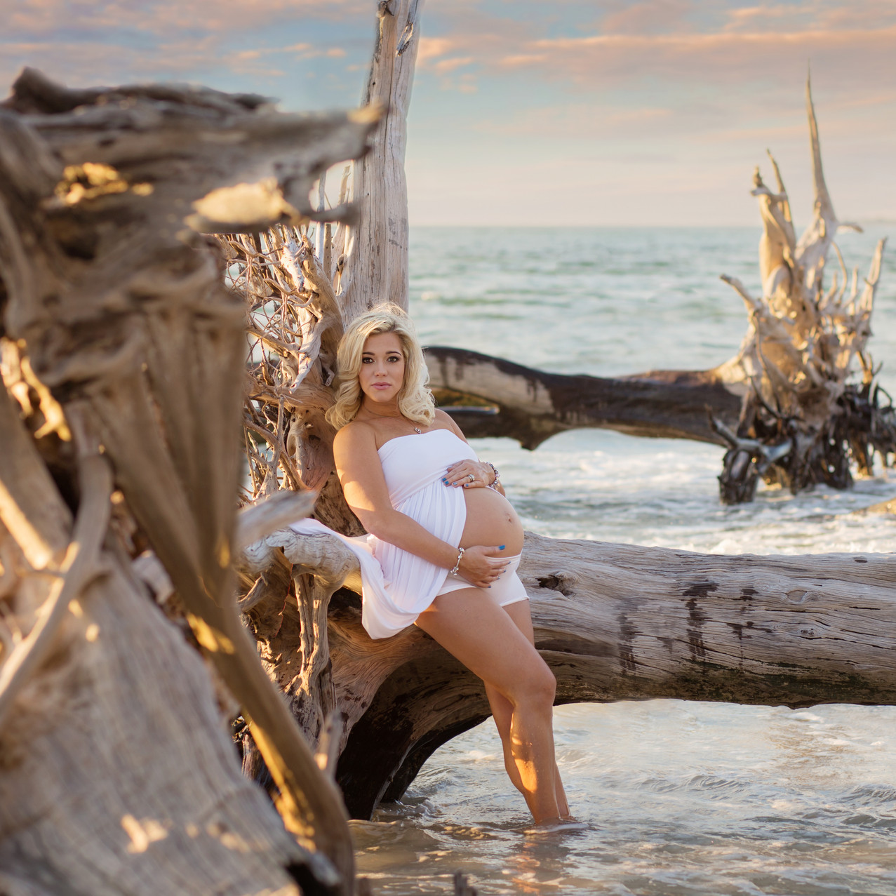 Pregnancy photos at driftwood beach