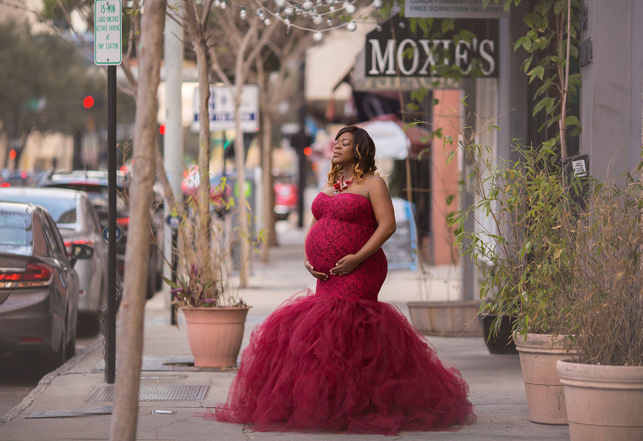 Pregnant mother in the city