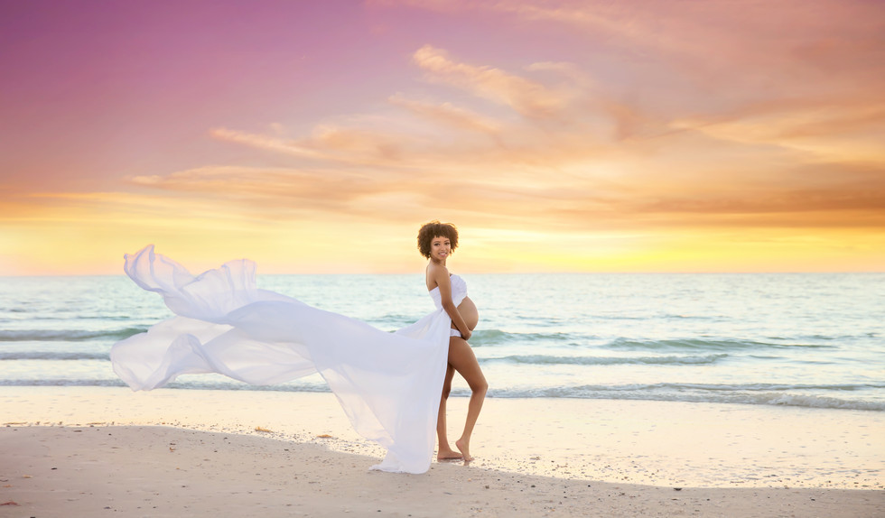 Beach maternity photos in Tampa