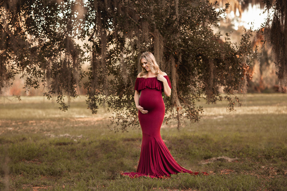 Rustic maternity photos in Tampa florida.