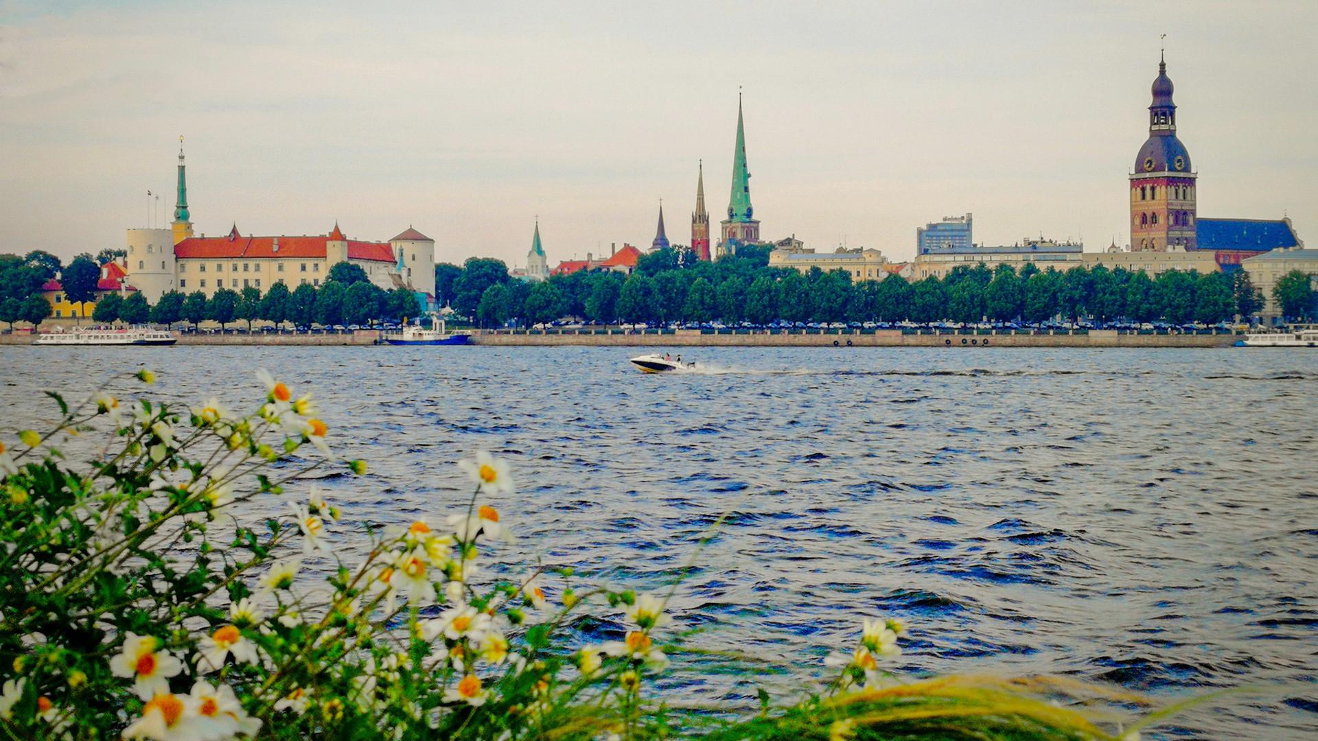 Панорама Риги с Западной Двины