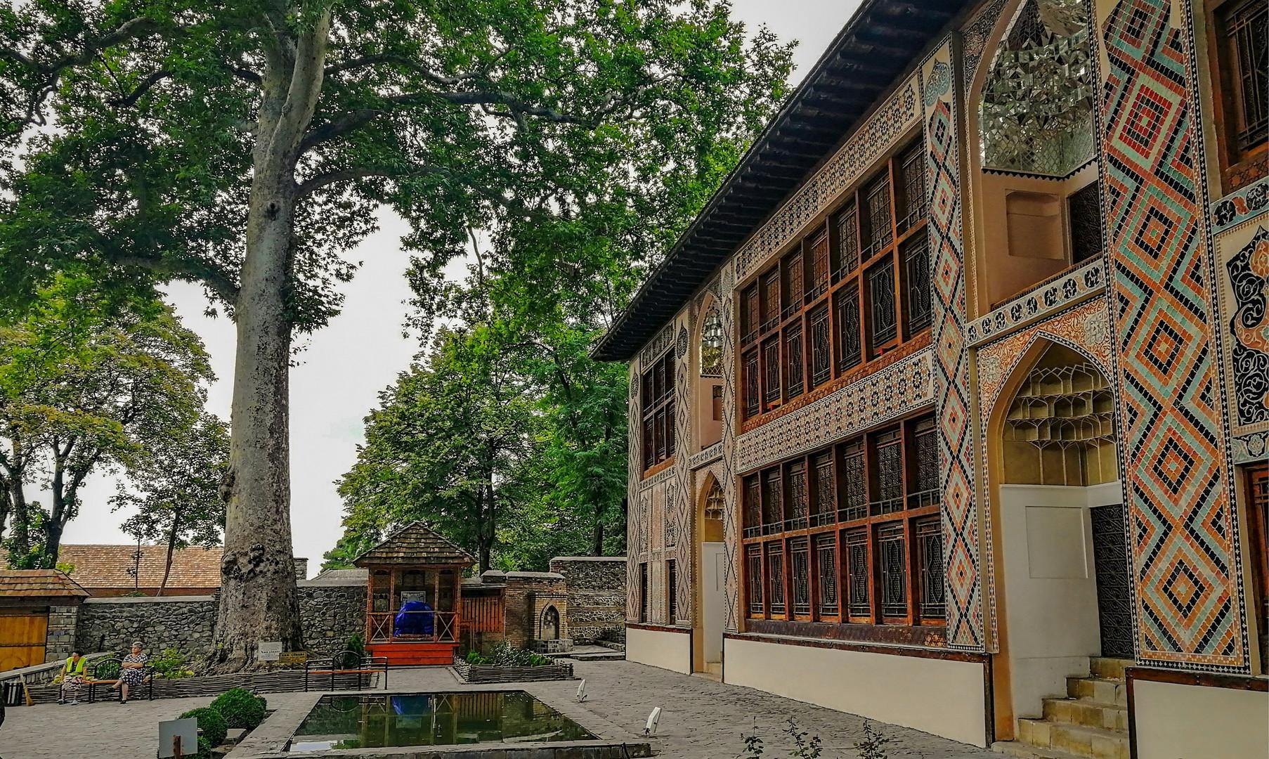 Дворец шекинских ханов, Шеки