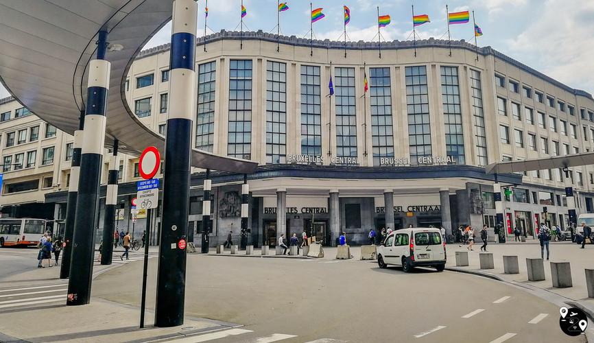 Ж/д станция под флагами, Брюссель