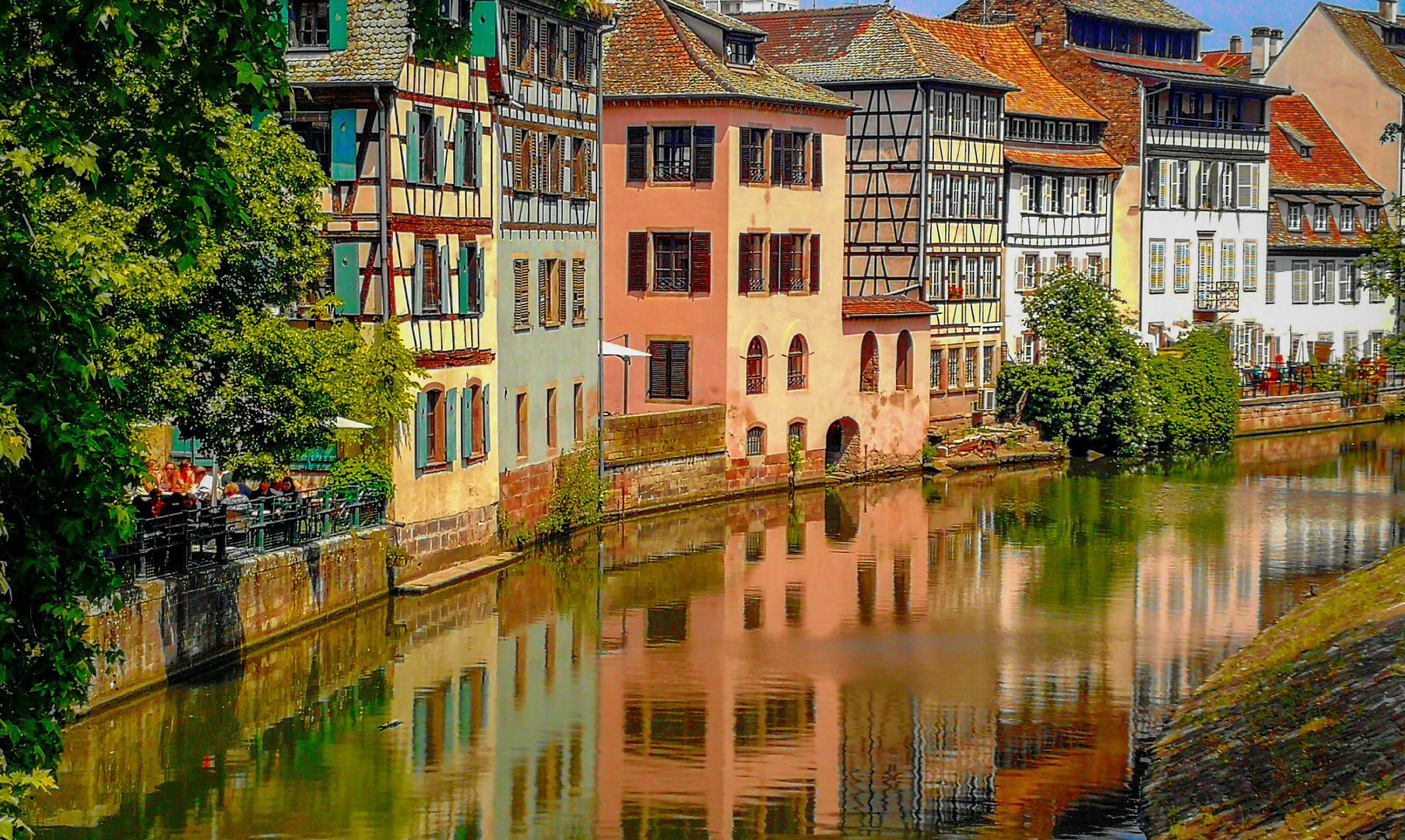 Каналы старого города в Страсбурга