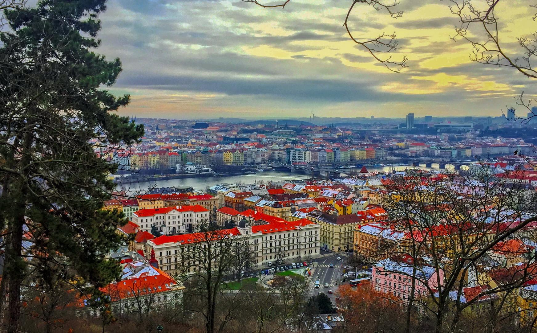 Панорама Праги из сада Кинских