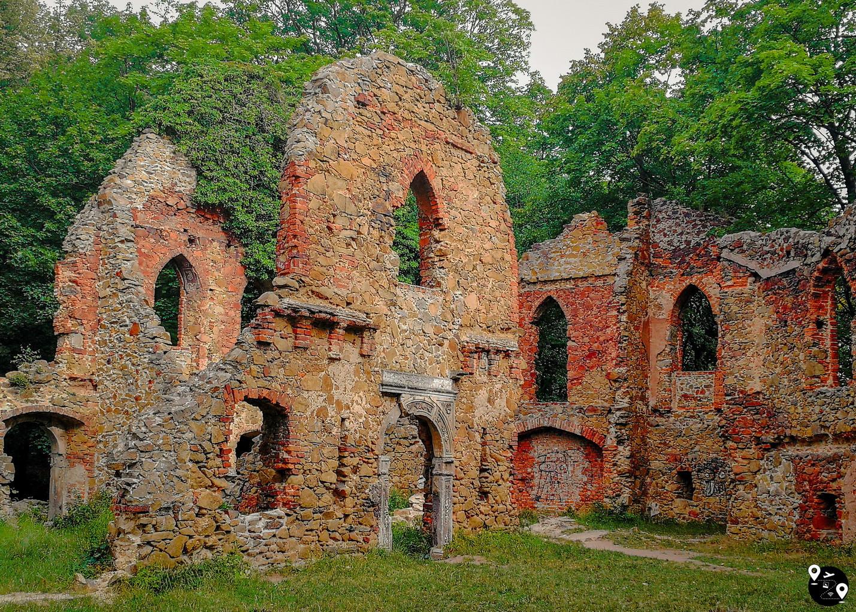 Руины старой крепости Ксёнж