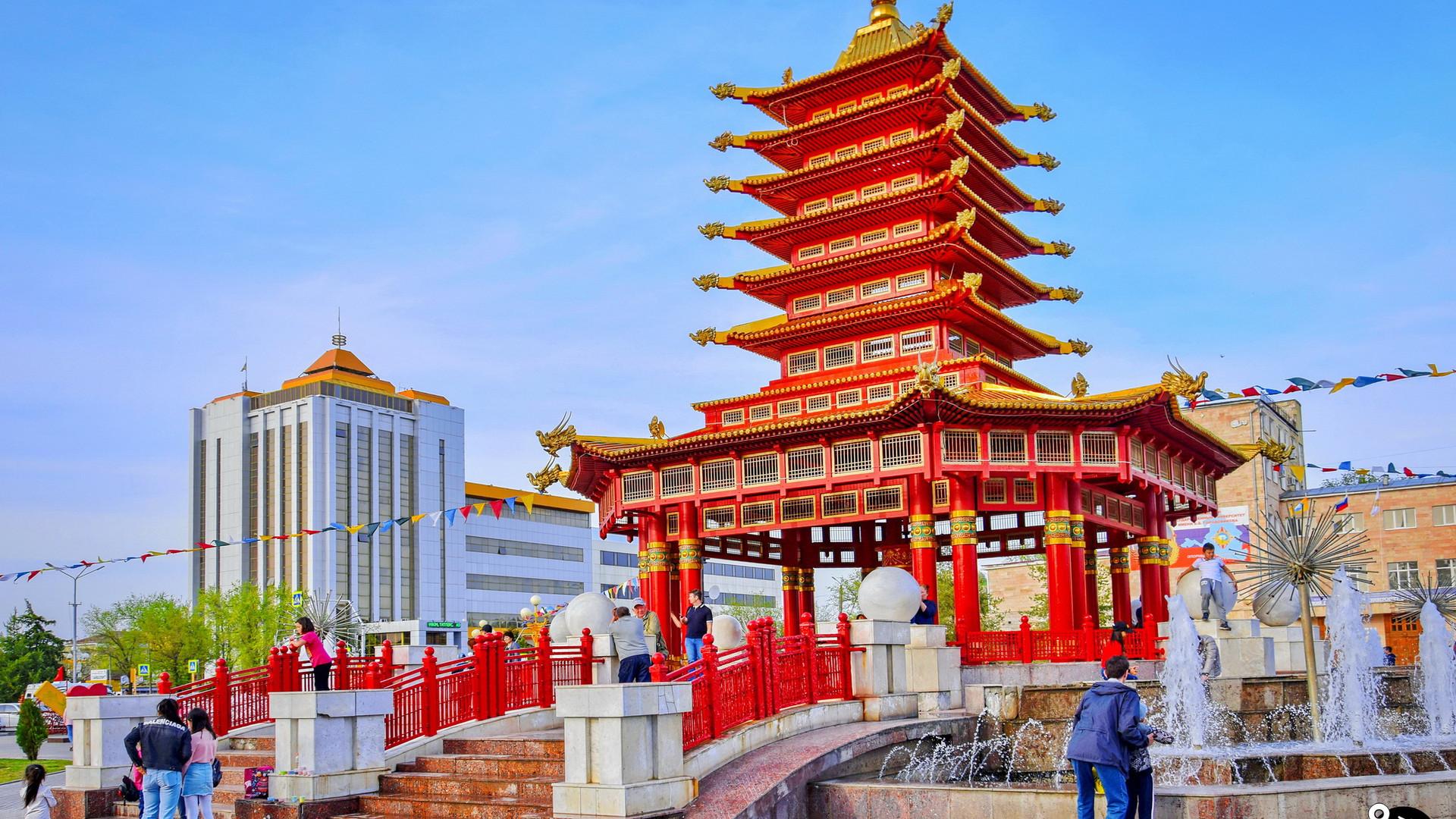 Пагода Семи Дней, Элиста