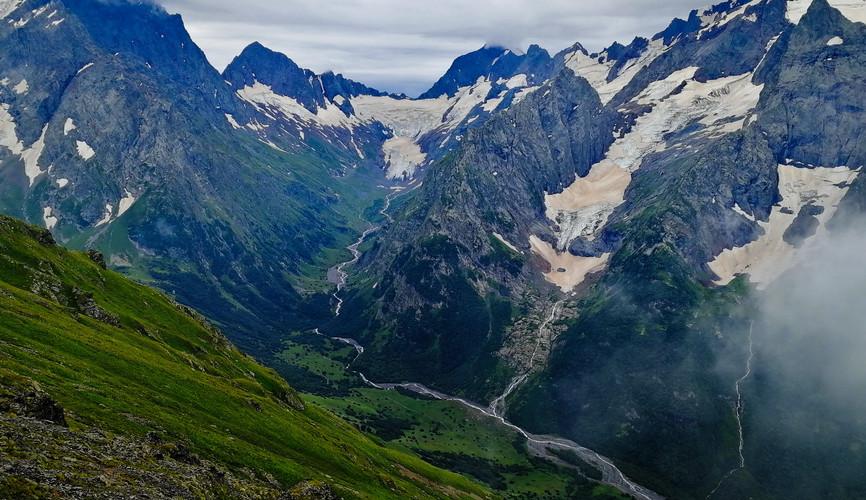 Гора Софруджу и ледник Джугутурлучат, Домбай