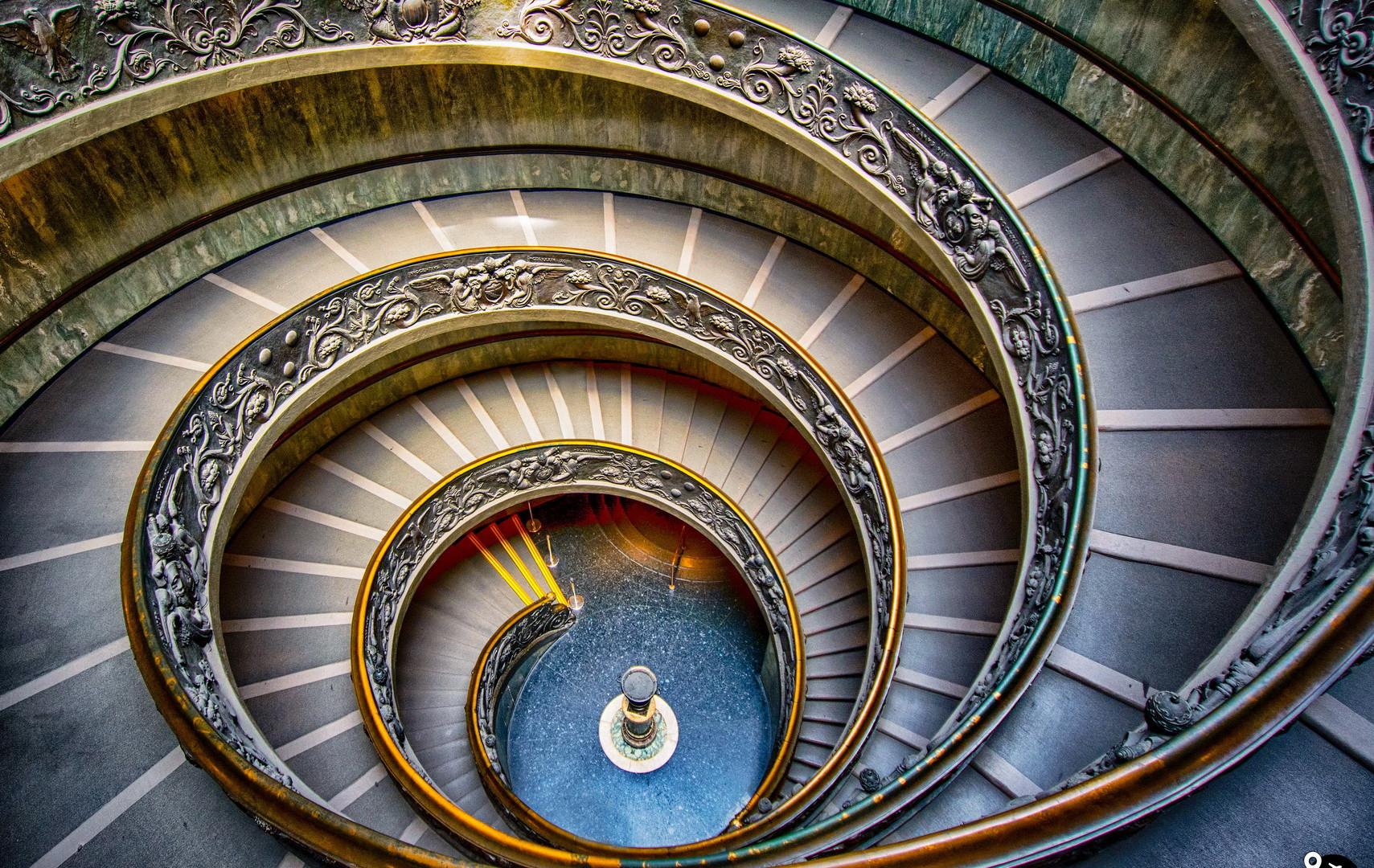 Лестница Браманте в музеях Ватикана