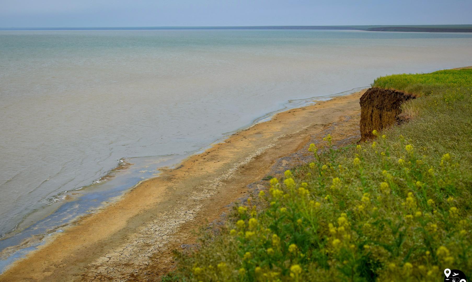 Озеро Маныч-Гудило в Калмыкии