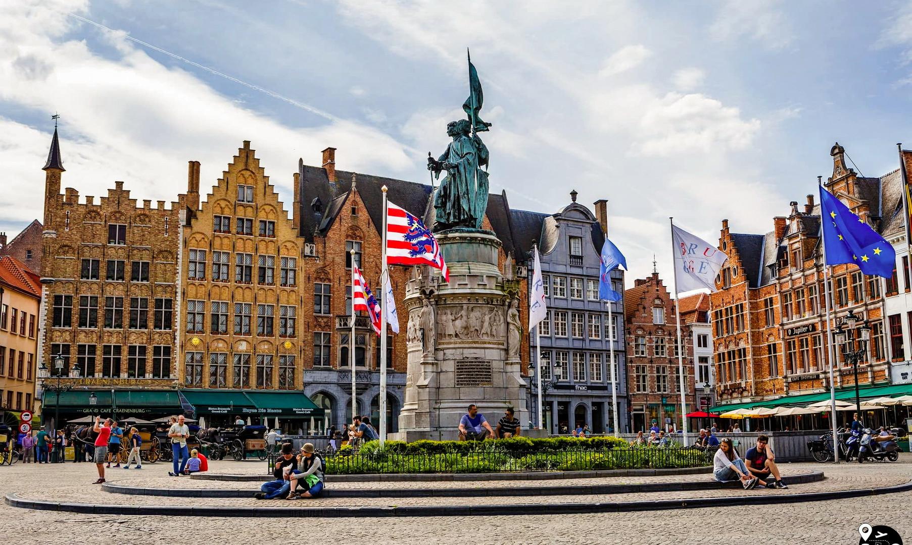 Центральная площадь в Брюгге