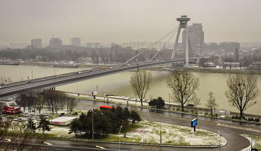 Мост со смотровой площадкой UFO, Братислава