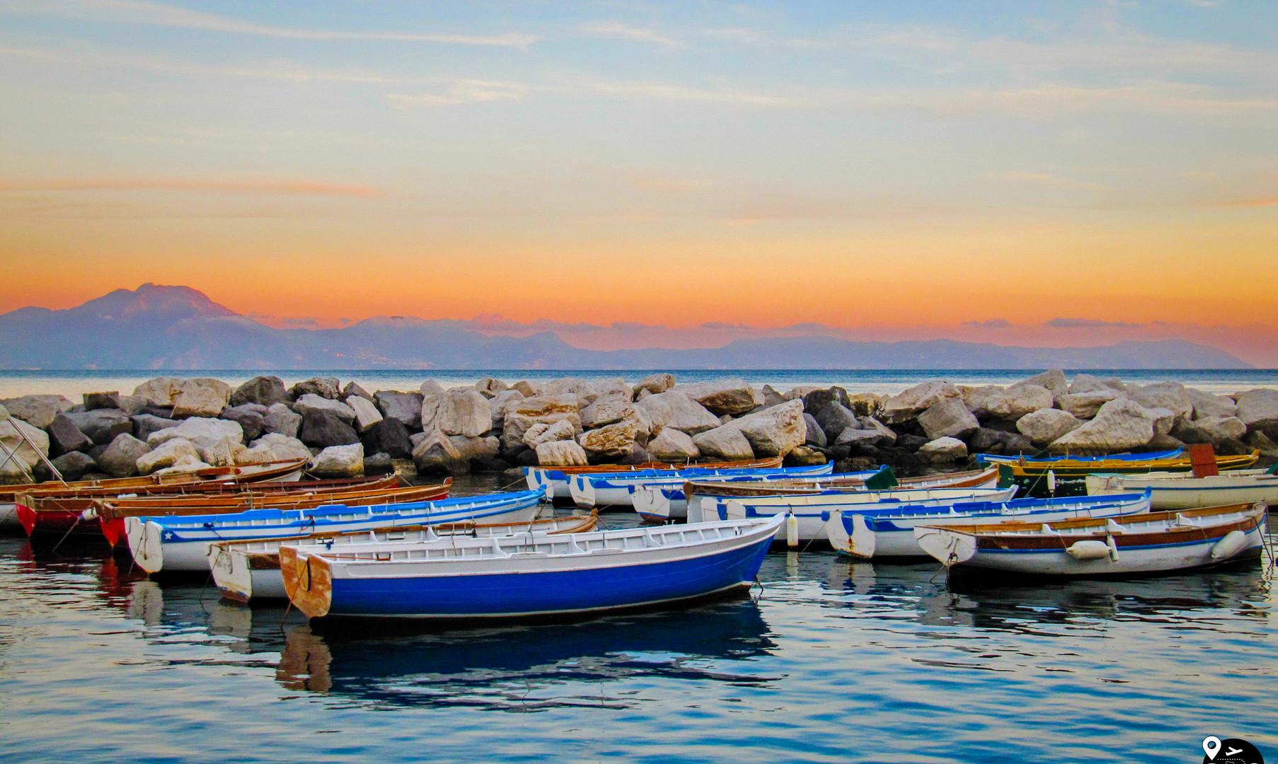 Неаполитанский залив на закате